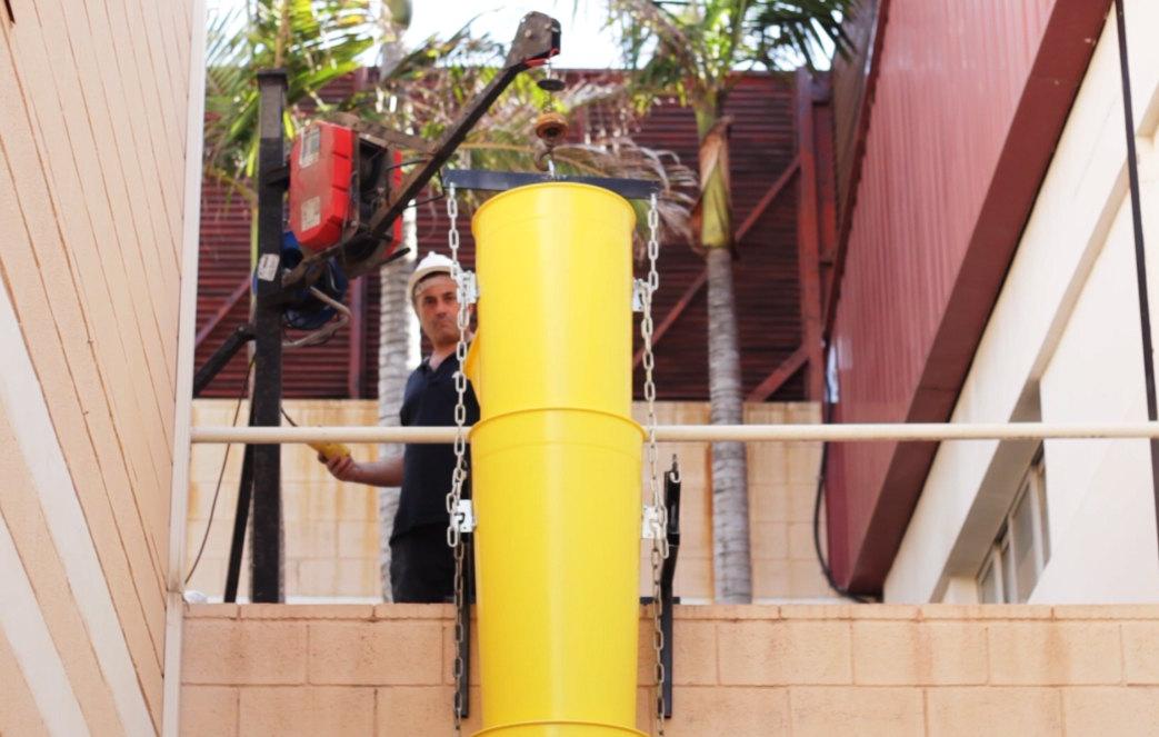 Column of chutes rising