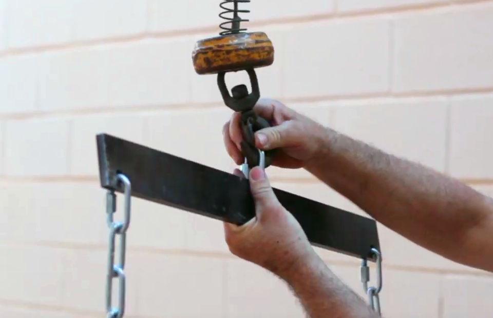 Le palonnier de levage pour colonne ITM pour les goulottes a chantier est un accesoire du systéme d évacuation de debrits.