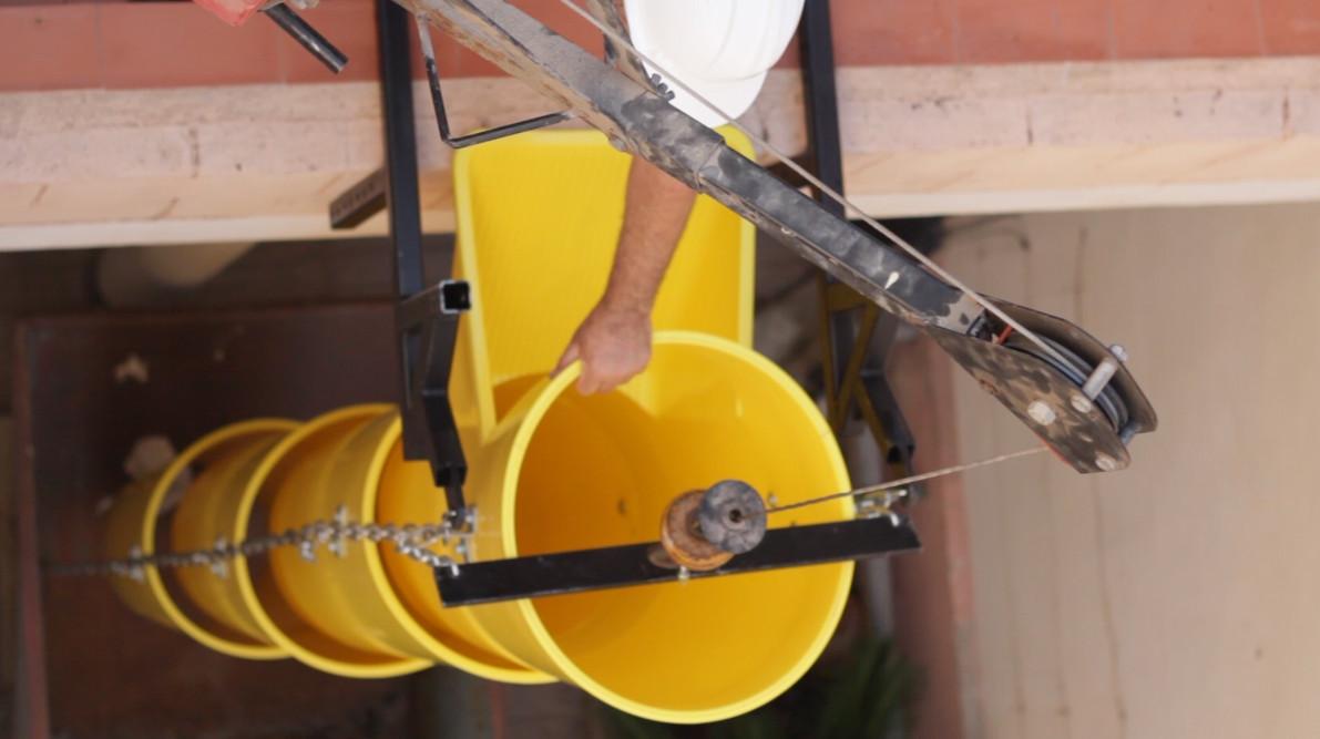 La columna de tubos de escombros siempre debe estar recta por seguridad