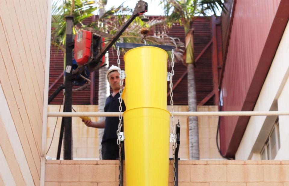 Larguero para el montaje de una columna de escombros
